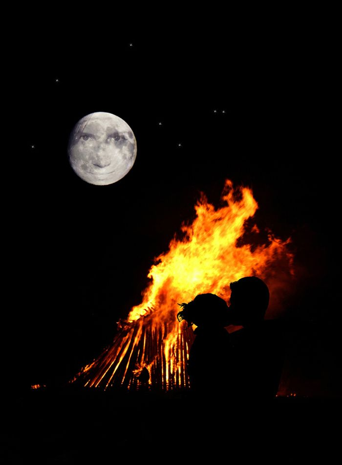 moon, bonfire, kiss